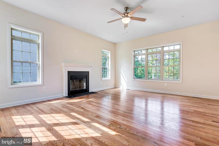 Great Room with fireplace - 6722 HEMLOCK POINT RD, NEW MARKET