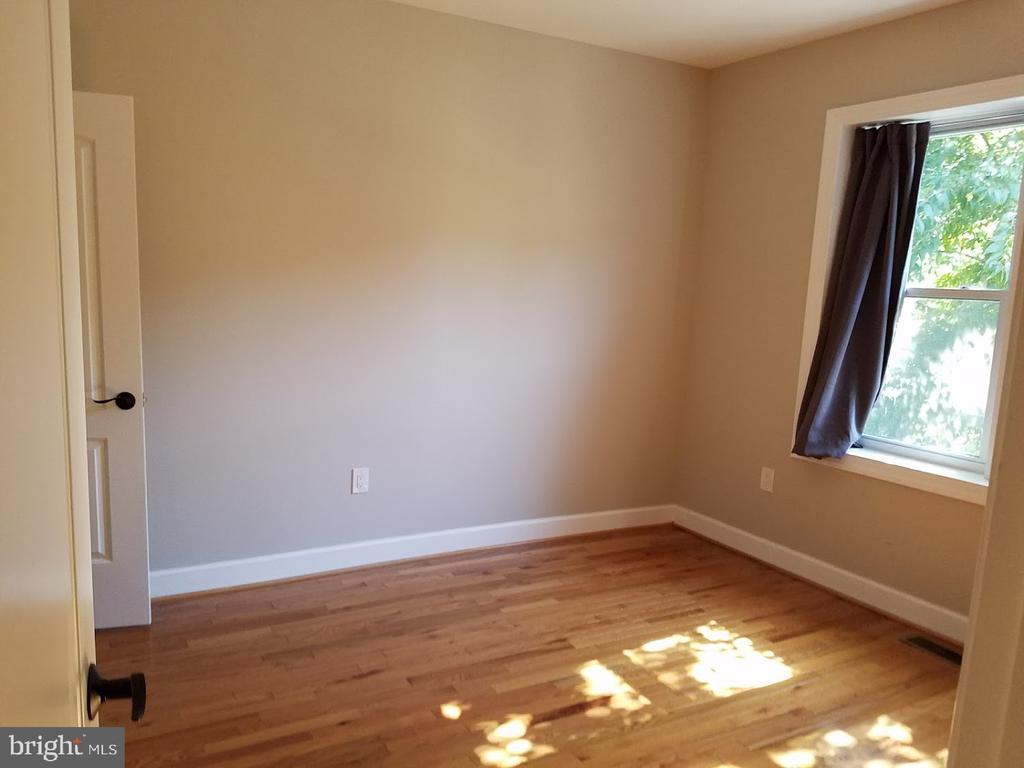 Bedrooms with Good Natural Light & Hardwoods - 208 T ST NE, WASHINGTON
