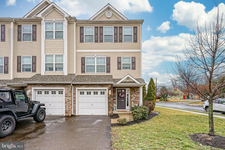 Single Family Homes للـ Sale في Mount Ephraim, New Jersey 08059 United States