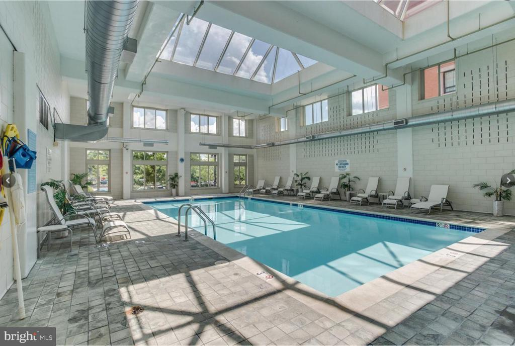 Main indoor pool for laps... - 1000 NEW JERSEY AVE SE #606, WASHINGTON