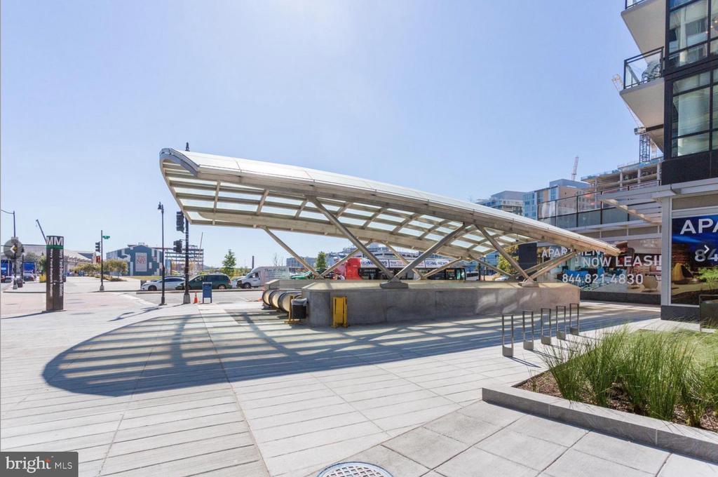 Navy Yard Ballpark - METRO Green Line - 1000 NEW JERSEY AVE SE #606, WASHINGTON