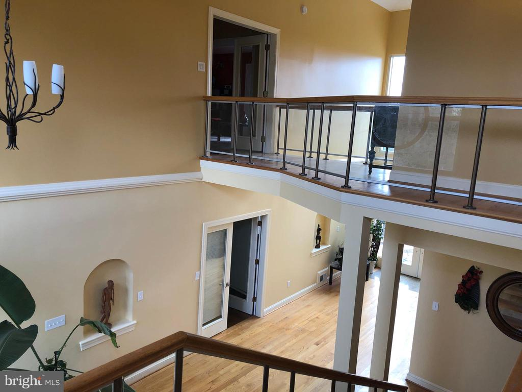 Some views of the foyer. - 6809 CALVERTON DR, HYATTSVILLE