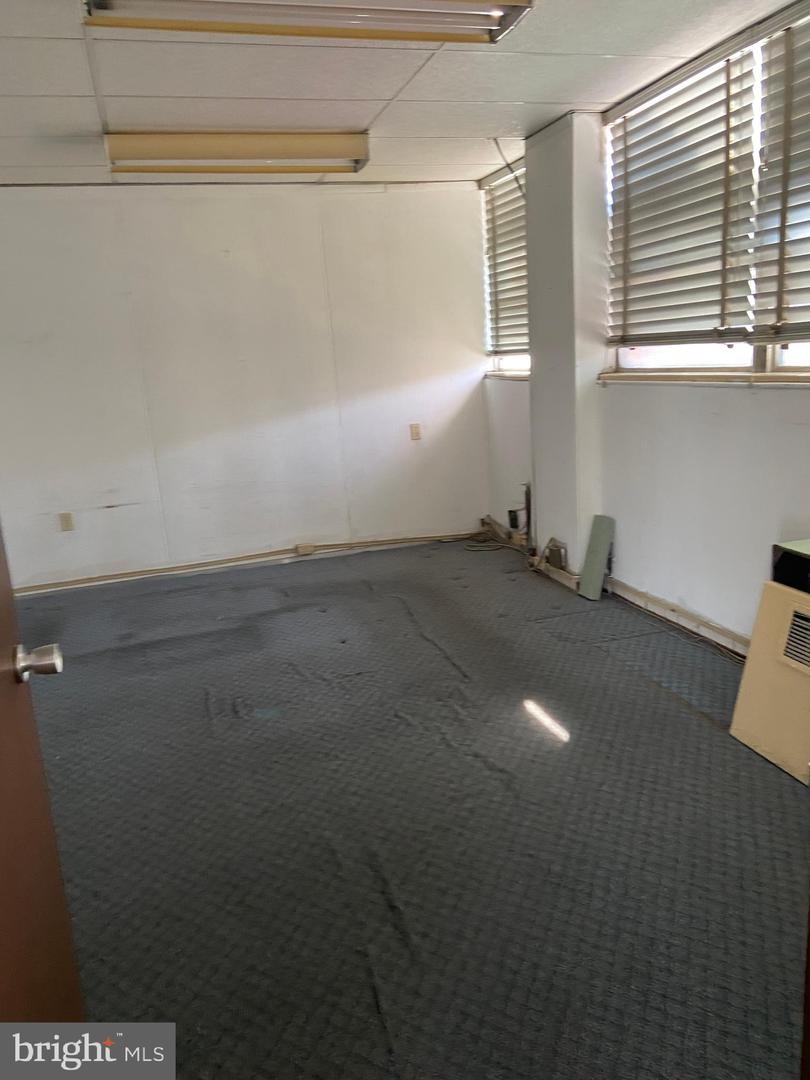 Additional photo for property listing at  费城, 宾夕法尼亚州 19150 美国