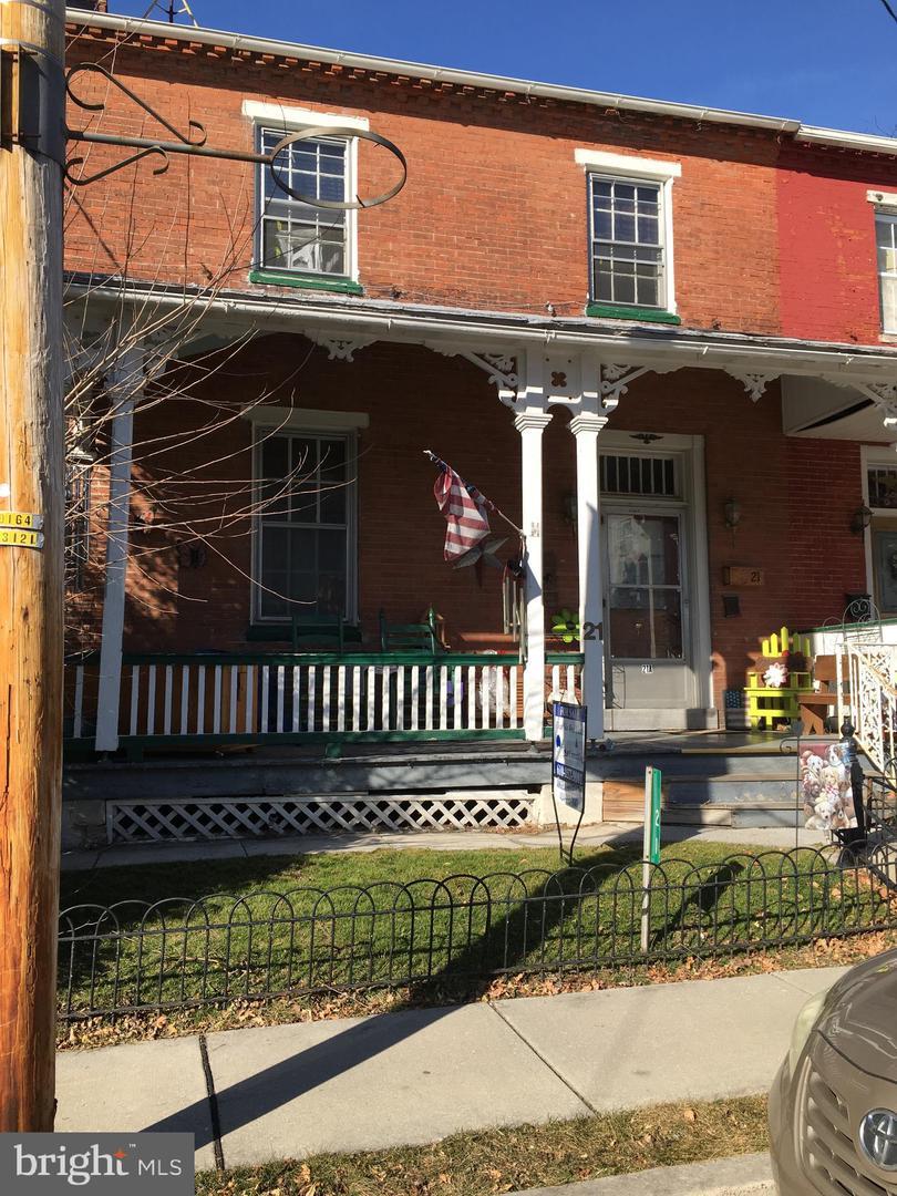 Duplex Homes 為 出售 在 Christiana, 賓夕法尼亞州 17509 美國