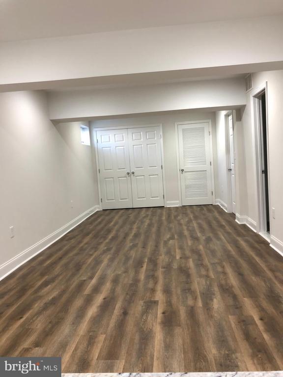 LARGE multi-purpose area in basement - 7010 ORIOLE AVE, SPRINGFIELD