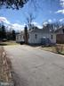 HUGE driveway on HUGE lot - 7010 ORIOLE AVE, SPRINGFIELD