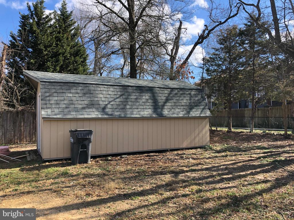 SHED on property! - 7010 ORIOLE AVE, SPRINGFIELD
