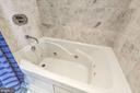 Jacuzzi in Guest bath - 1881 N NASH ST #1503, ARLINGTON