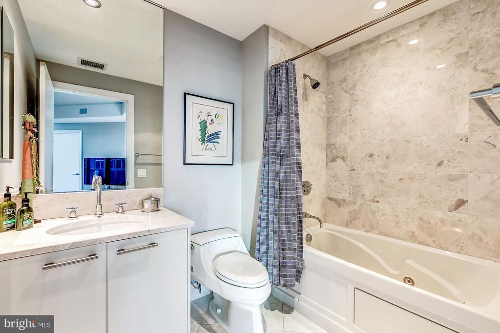 Guest Bathroom with white marble & Jacuzzi Tub - 1881 N NASH ST #1503, ARLINGTON
