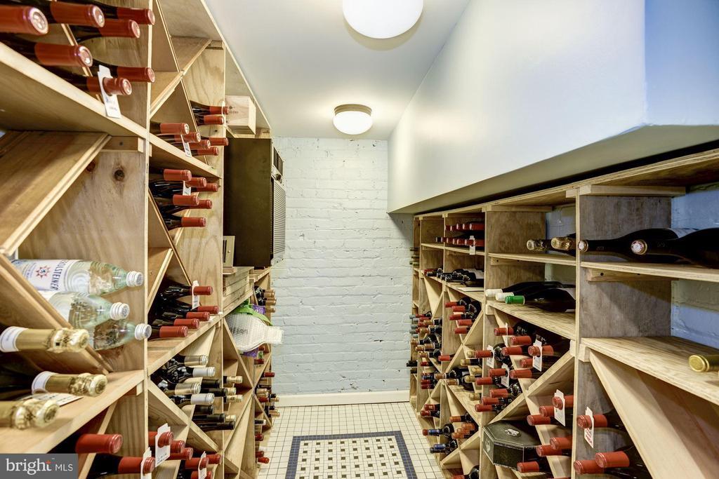 800 bottle conditioned wine room. - 226 8TH ST SE, WASHINGTON