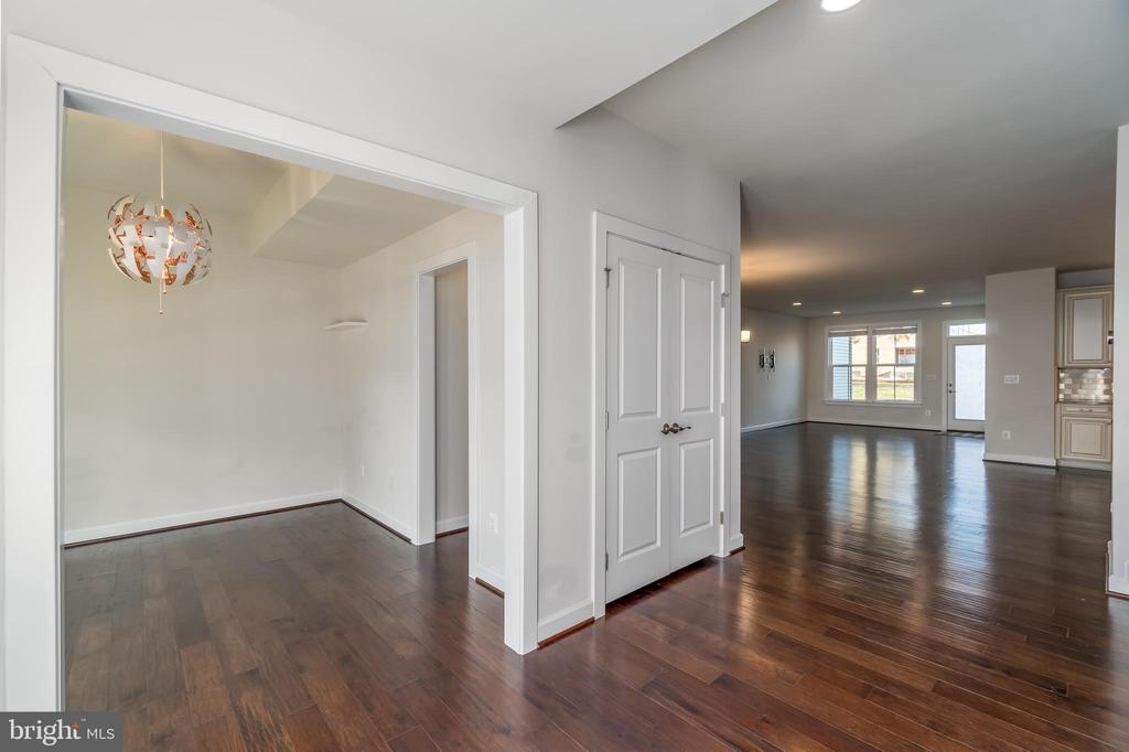 Entry Way - Upgraded Hardwoods Throughout - 43358 SOUTHLAND ST, ASHBURN