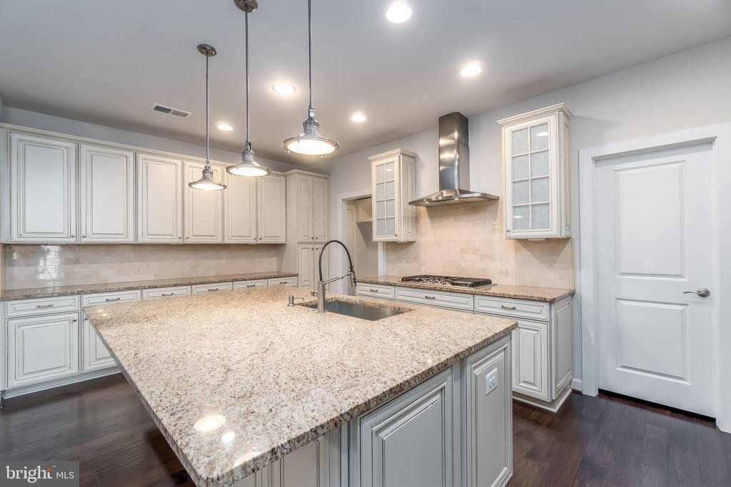 Upgraded Granite Counter Tops - 43358 SOUTHLAND ST, ASHBURN