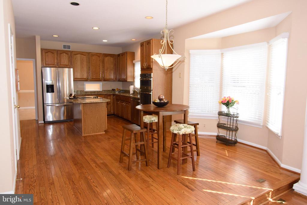 Kitchen eat-in area - 47400 GALLION FOREST CT, STERLING