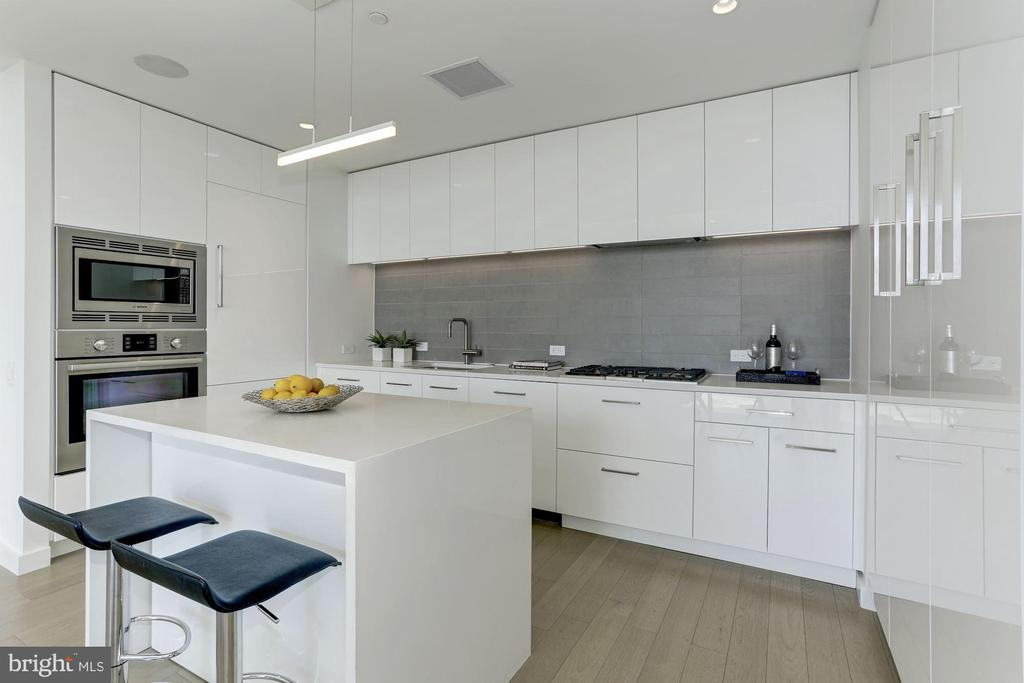 Stainless Steel Appliances with Natural Gas Range - 1111 24TH ST NW #PH105, WASHINGTON
