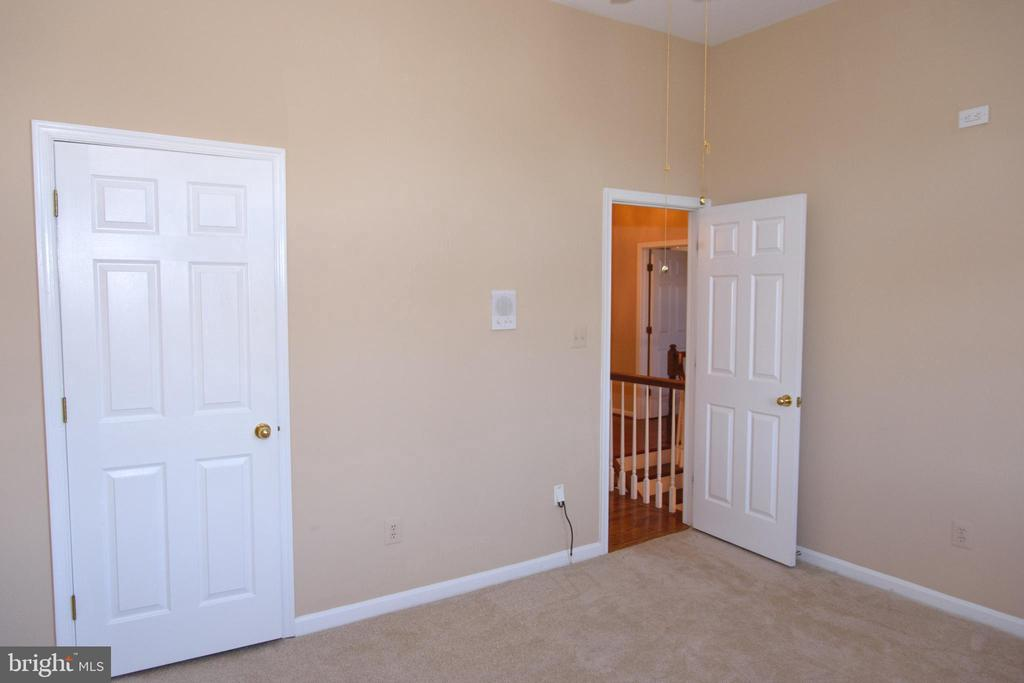 Third bedroom - 47400 GALLION FOREST CT, STERLING