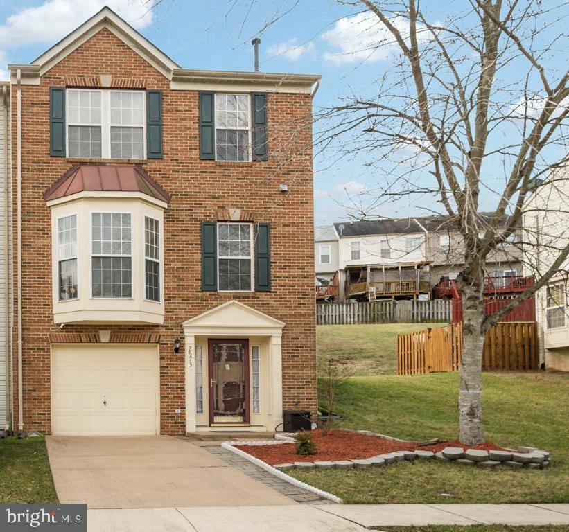 End Unit Townhome with garage parking - 2573 SYLVAN MOOR LN, WOODBRIDGE