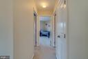 Upper Level Hallway - 2573 SYLVAN MOOR LN, WOODBRIDGE