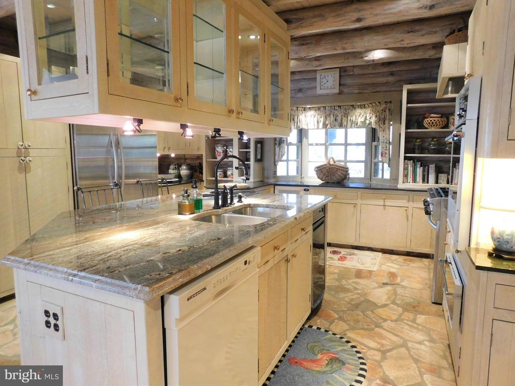 Kitchen with Granite counters, island - 11713 WAYNE LN, BUMPASS