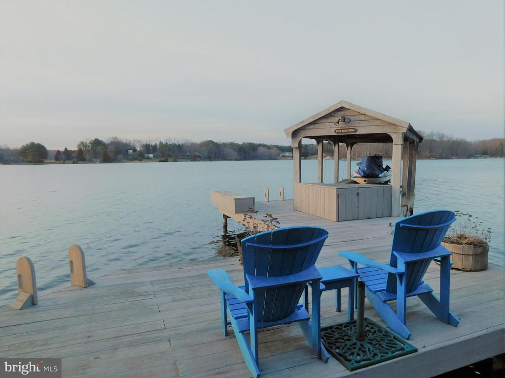 Sunset-watching Adirondack chairs - 11713 WAYNE LN, BUMPASS