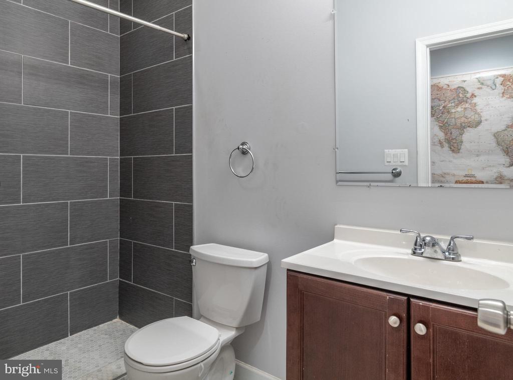 Unit 2: Bathroom - 725 HOBART PL NW, WASHINGTON