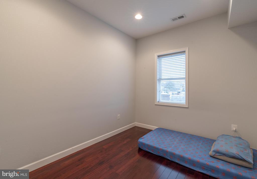 Unit 3: Bedroom 2 - 725 HOBART PL NW, WASHINGTON