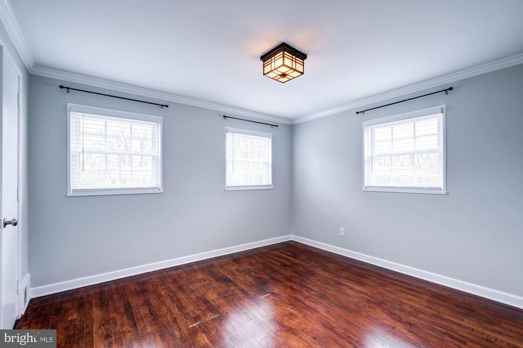 Master Bedroom - Hardwood Floors! - 4405 VERMONT AVE, ALEXANDRIA