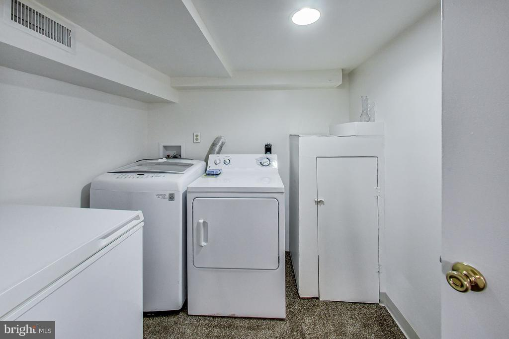 Laundry Room - 3404 WEBSTER ST, BRENTWOOD