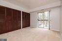 Master Bedroom with 2 closets - 5934 COVE LANDING RD #301C, BURKE