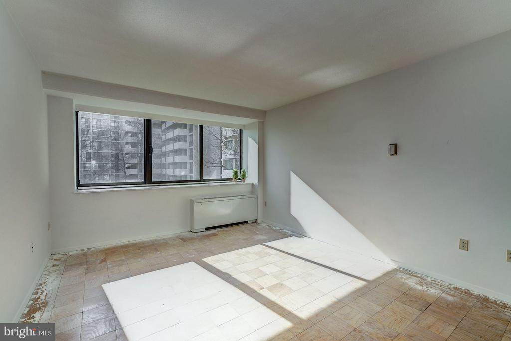 Master Bedroom - 4141 HENDERSON RD #324, ARLINGTON