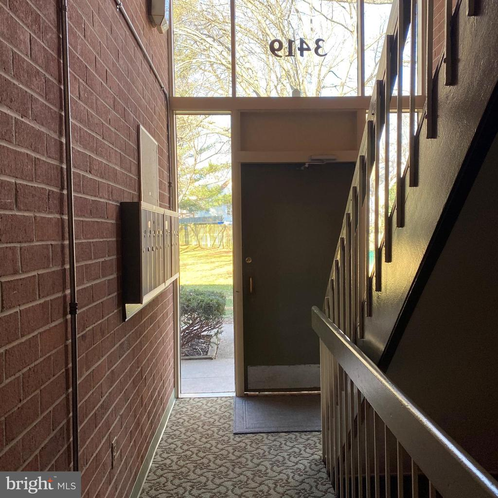 Entry Foyer - 3419 UNIVERSITY BLVD W #102, KENSINGTON