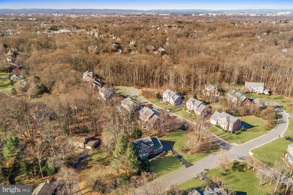 Wide Streets and Spacious Lots - 12184 HICKORY KNOLL PL, FAIRFAX