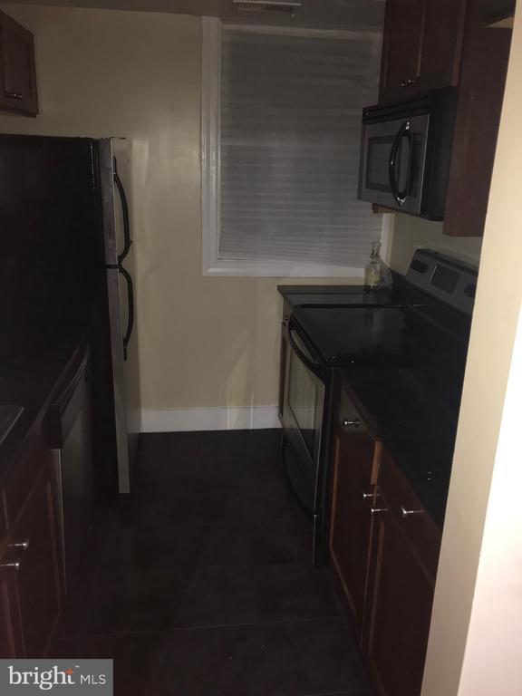 Kitchen - 2841 GAINESVILLE ST SE #103, WASHINGTON