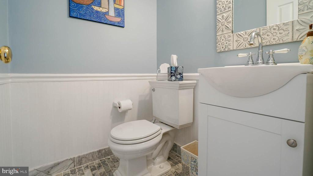 Powder Room with new marble flooring and new sink - 13 MEADOWGATE CIR, GAITHERSBURG