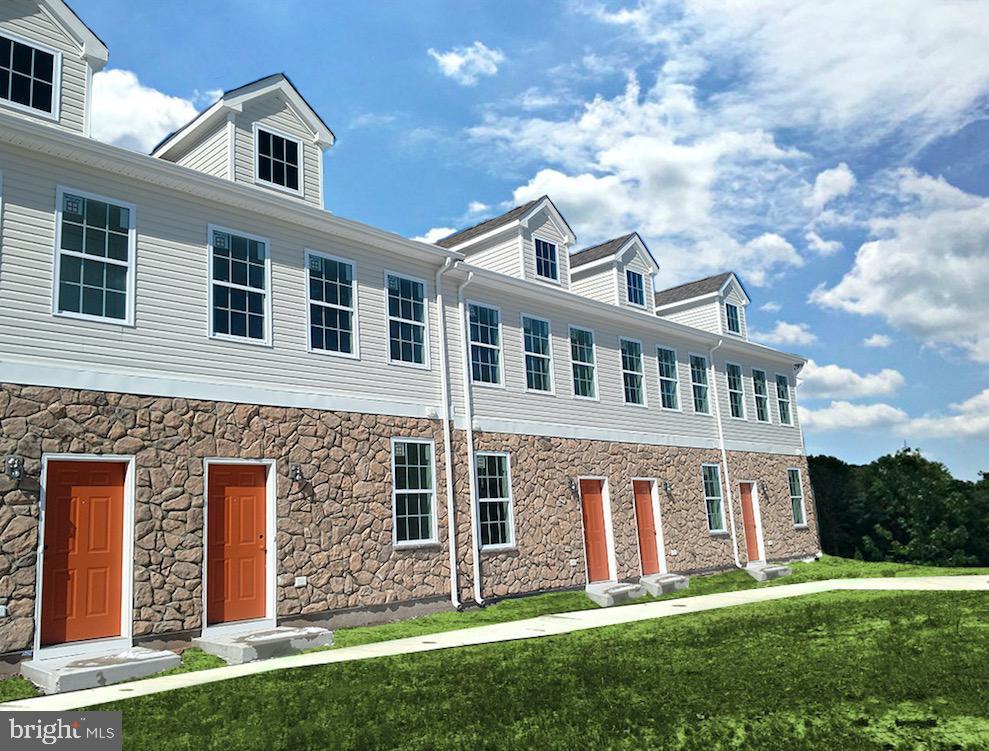 Single Family Homes vì Bán tại Somerset, New Jersey 08873 Hoa Kỳ