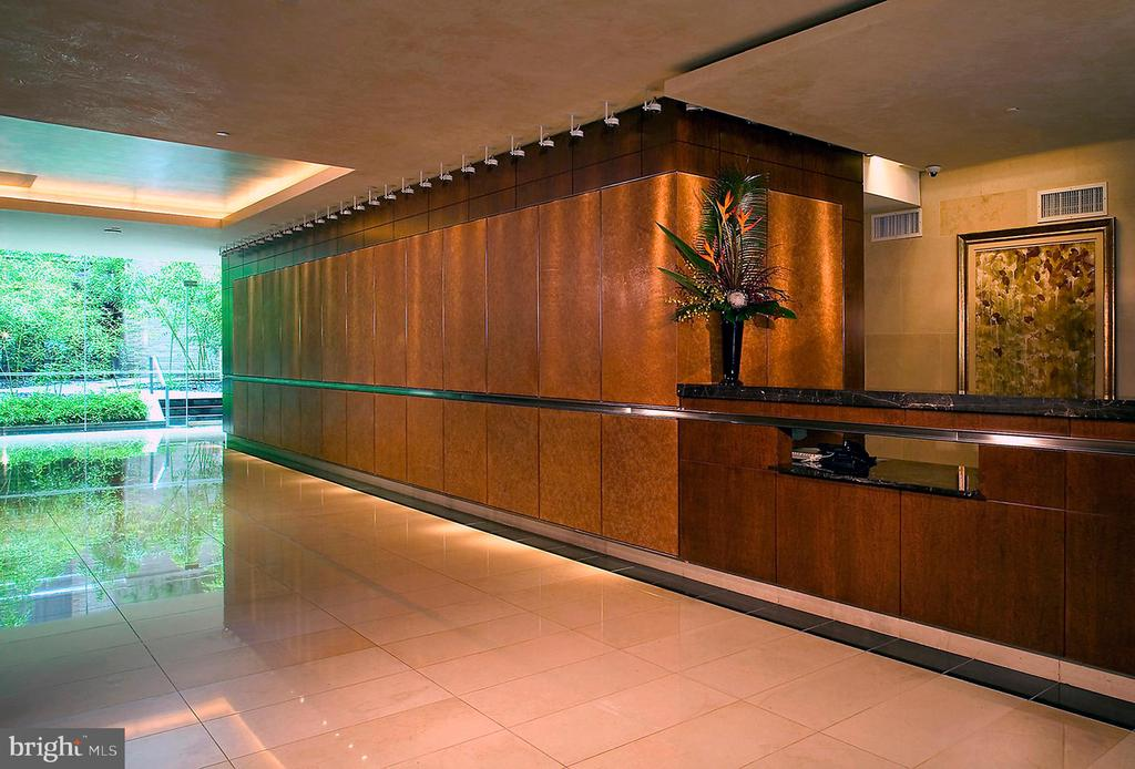 LOBBY w/ 24-HOUR CONCIERGE - 1111 23RD ST NW #PH1G, WASHINGTON