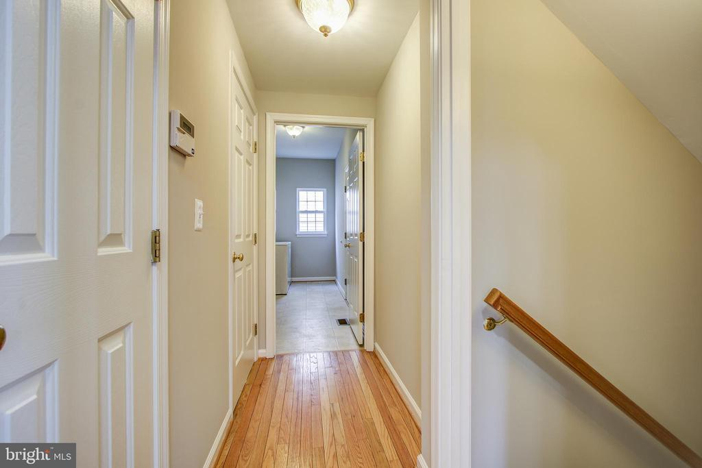 Hall to Main Level Laundry - 5637 ASSATEAGUE PL, MANASSAS