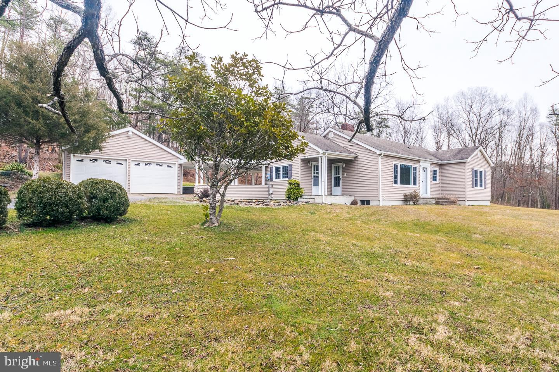 Single Family Homes 為 出售 在 Basye, 弗吉尼亞州 22810 美國