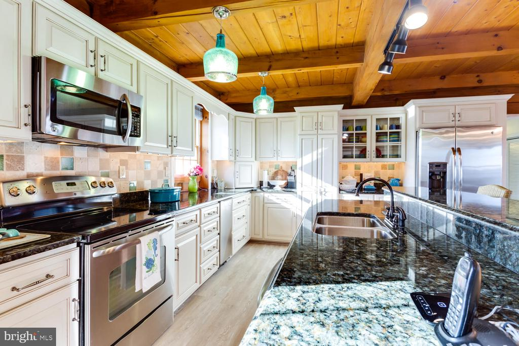 Stainless Steel Appliances to include an Icemaker - 15798 LANCASTER FARM RD, NEWBURG