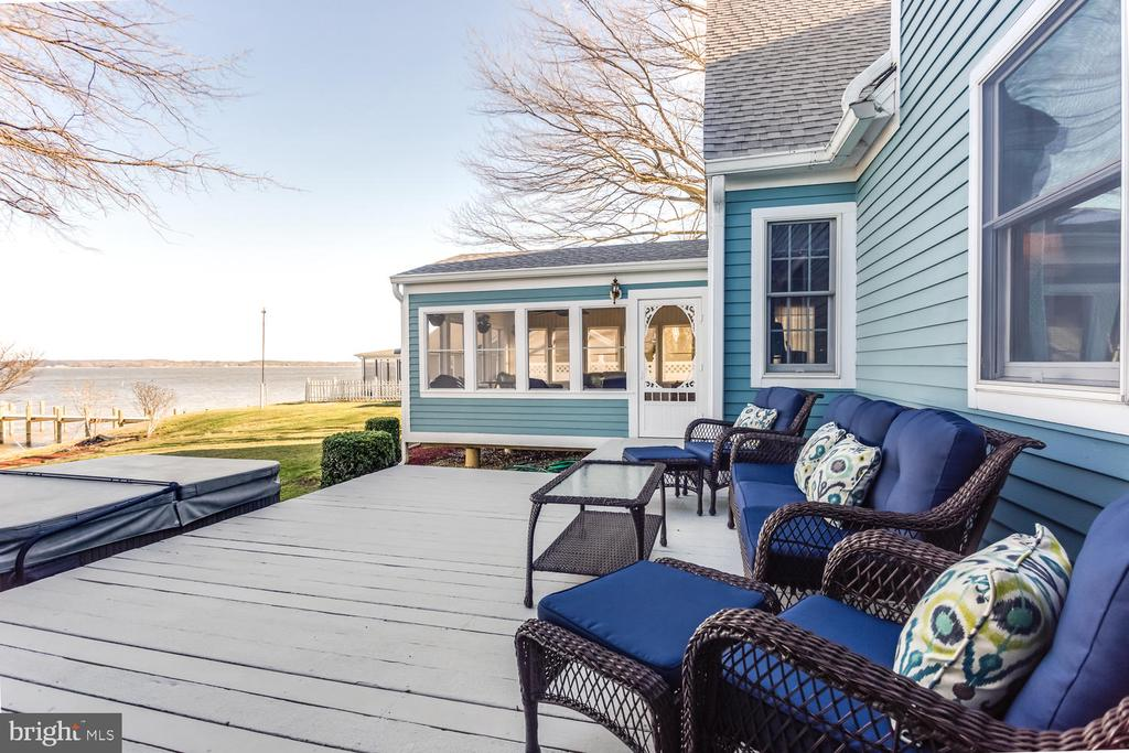 Large deck at rear of home overlooking the water! - 15798 LANCASTER FARM RD, NEWBURG