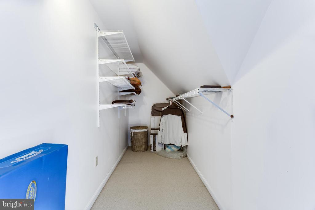 The closets & storage is endless - 15798 LANCASTER FARM RD, NEWBURG