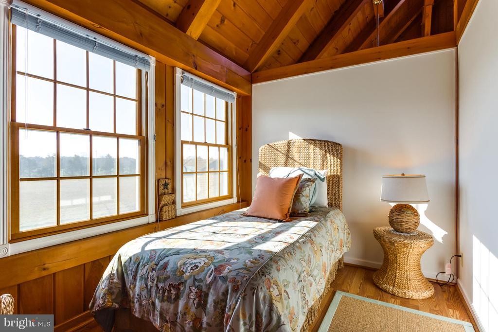 3rd bedroom on upper level - 15798 LANCASTER FARM RD, NEWBURG