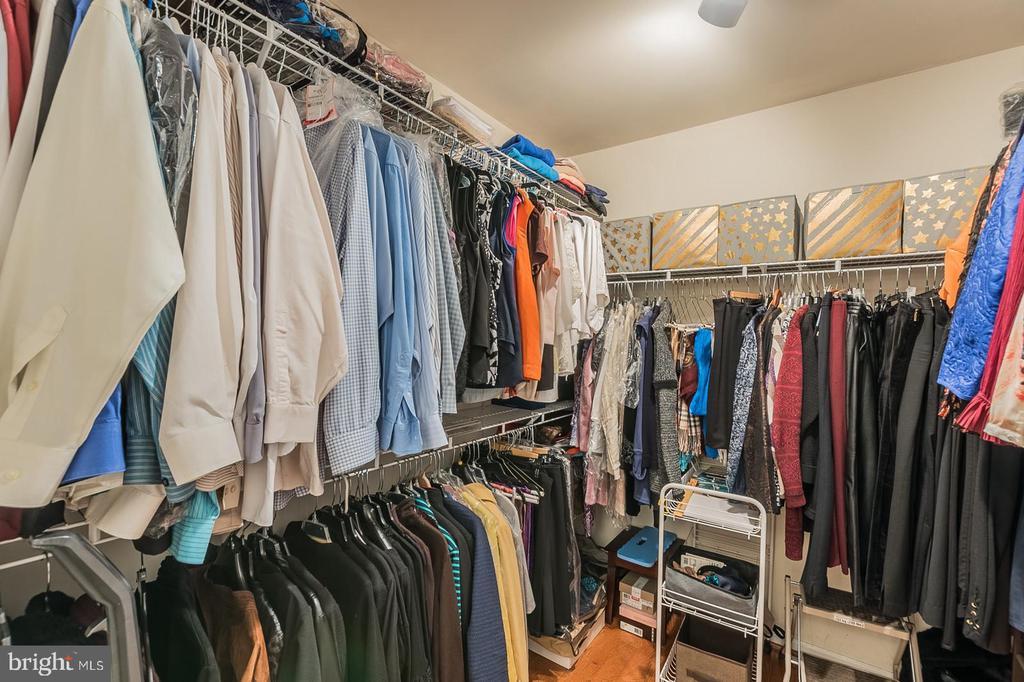 Walk-in closet - 11485 WATERHAVEN CT, RESTON
