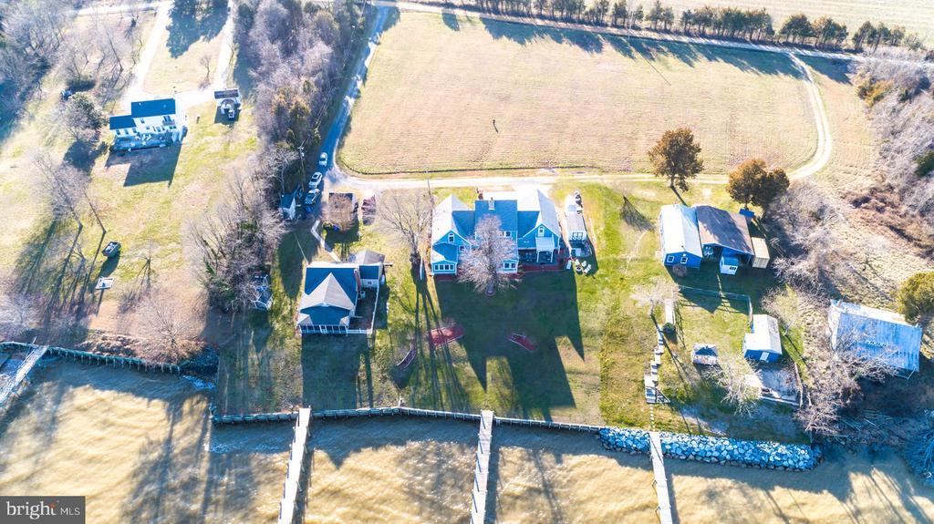Surrounded by beautiful farmland - 15798 LANCASTER FARM RD, NEWBURG