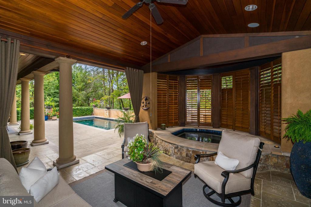 Terrace/Outdoor Spa - 8001 OVERHILL RD, BETHESDA