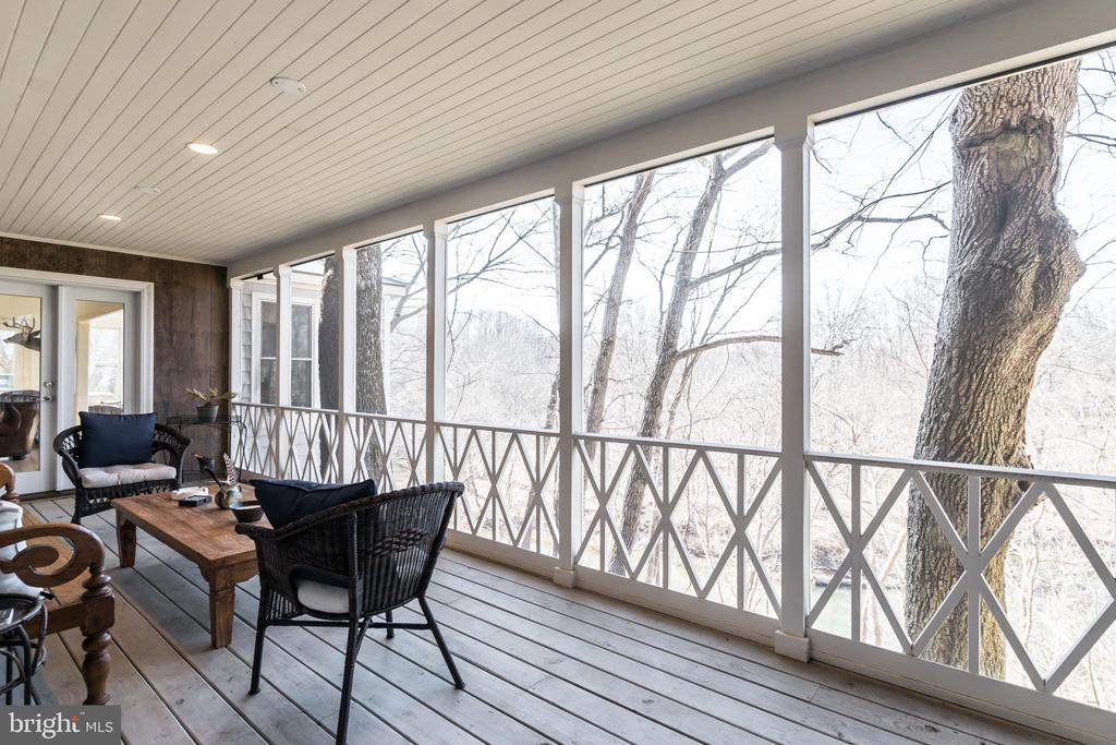 Screened in Porch overlooking the Creek - 23057 KIRK BRANCH RD, MIDDLEBURG