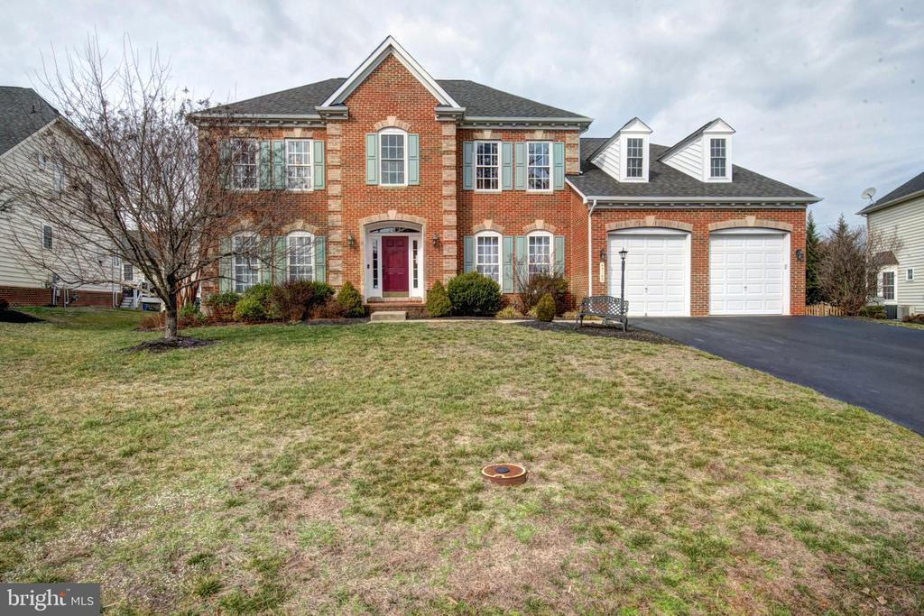 Picture Perfect, Welcome Home! - 43168 HASBROUCK LN, LEESBURG
