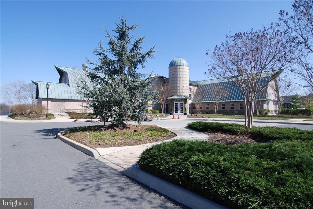 Community Center Potomac Club - 43168 HASBROUCK LN, LEESBURG