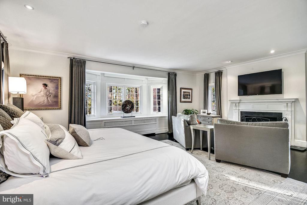 Master Bedroom - 4 THOMPSON CIR NW, WASHINGTON