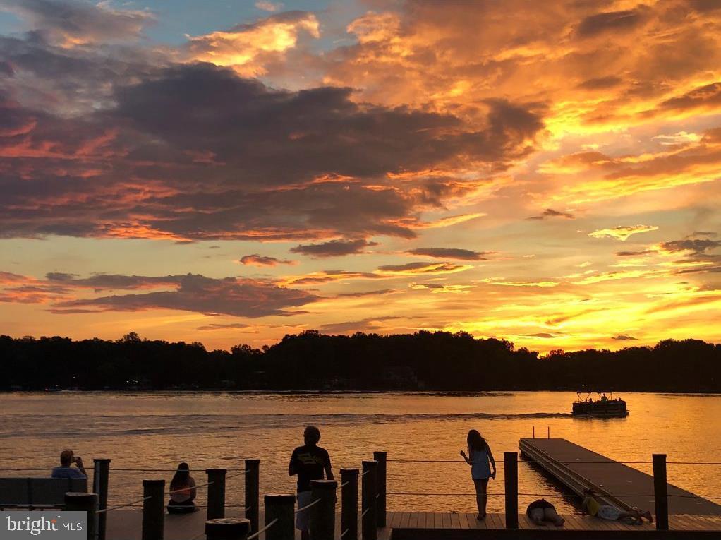 Beautiful sunsets - 216 BATTLEFIELD RD, LOCUST GROVE