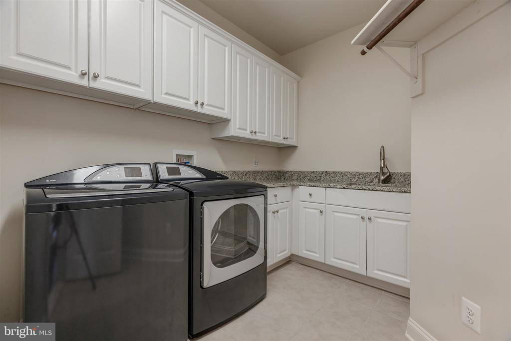 Upper Level Laundry - 8429 BROOK RD, MCLEAN